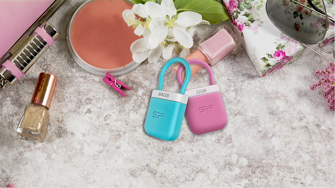 Unique 510 Get chic with the stylish lock-shaped design